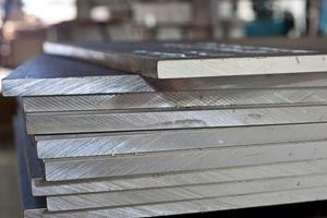 stainless-steel-plates-manufacturer